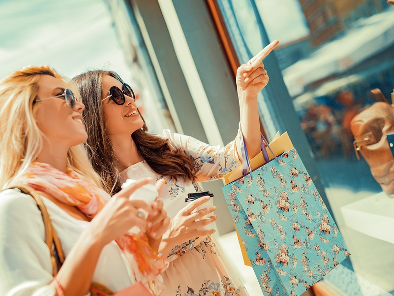 Shoppers prefer in-store experience, data reveals | Inside Franchise Business