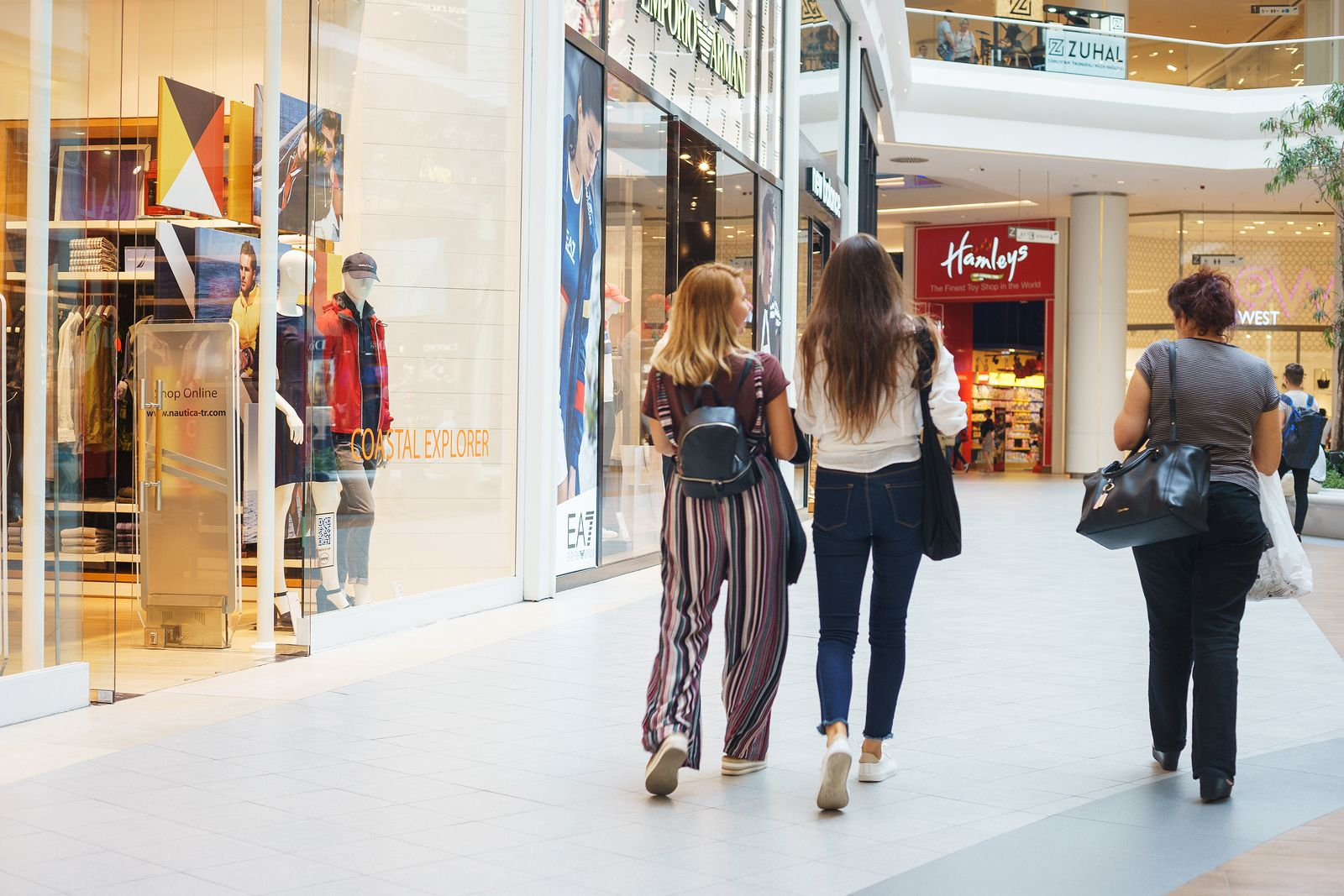 "Neighbourhood shopping centres a ""safe-bet"" CBRE report suggests 